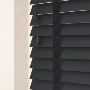 Simple Wood Empire With Smoke Tapes Venetian Blind